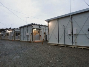 Voa_herman__20110411_temporary_houses_fo